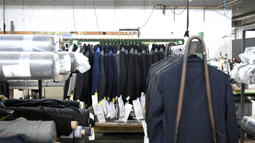 delivery -suit- スーツ年内納品は11月23日(月)までです!