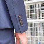 袖のディテールについて / 釦数、付け方、色変え